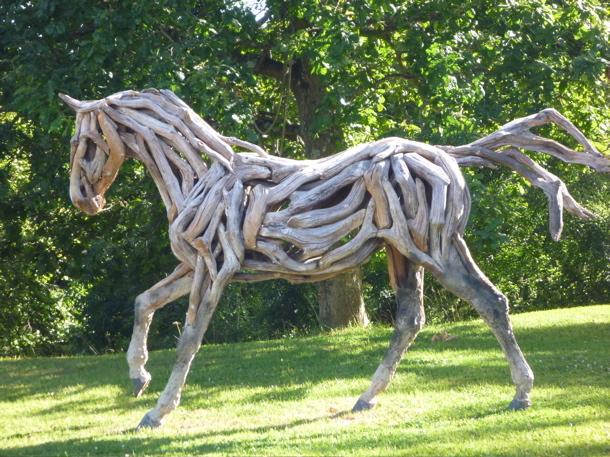 lotq2-heather-jansch-driftwood-horse