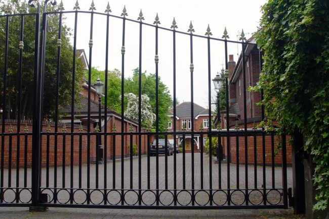 gated liverpool